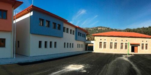 Grundschule Kala Nera Pilion Noan hilft