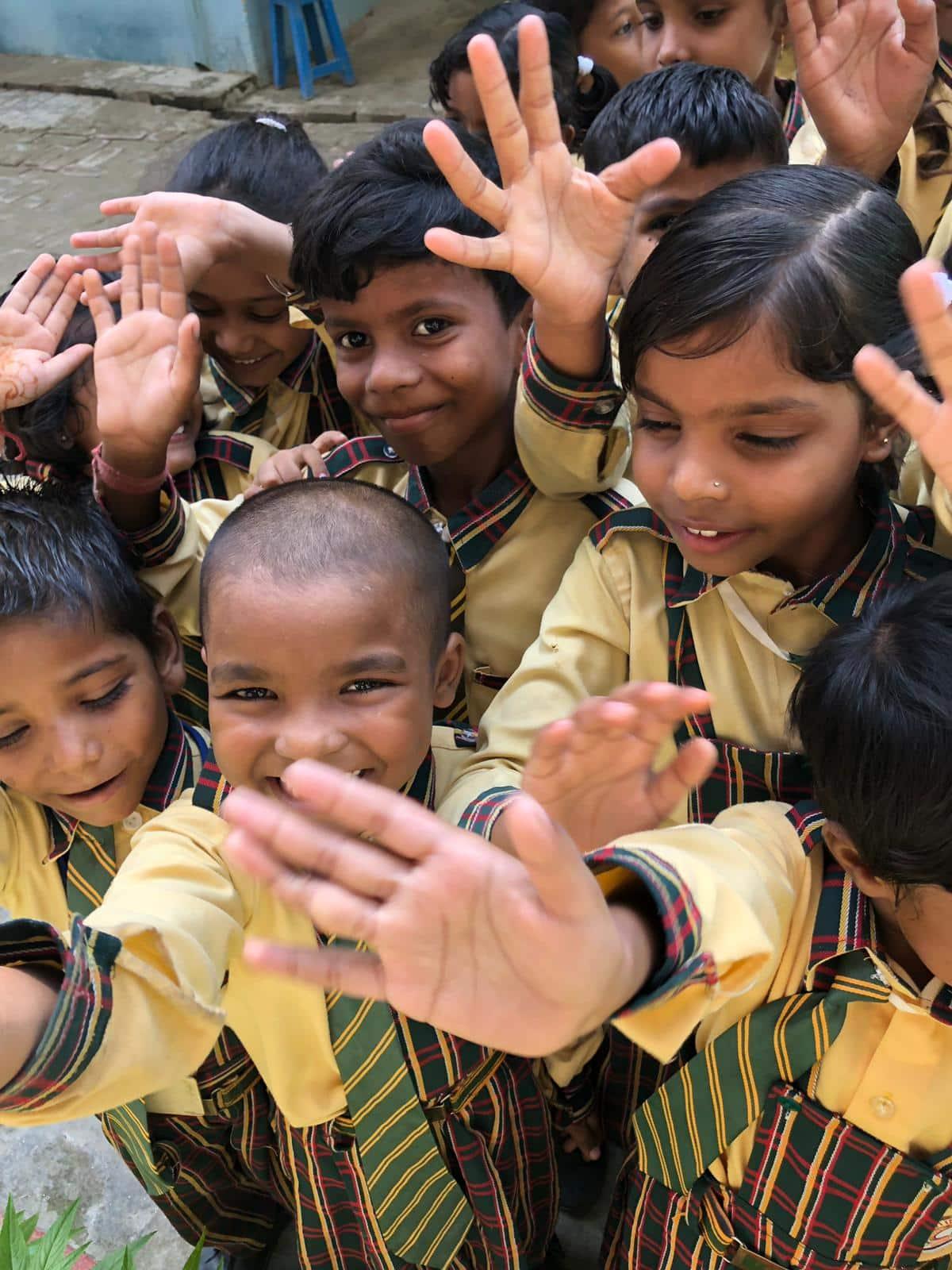 Kinder der LIght of Love Schule in Varanasi
