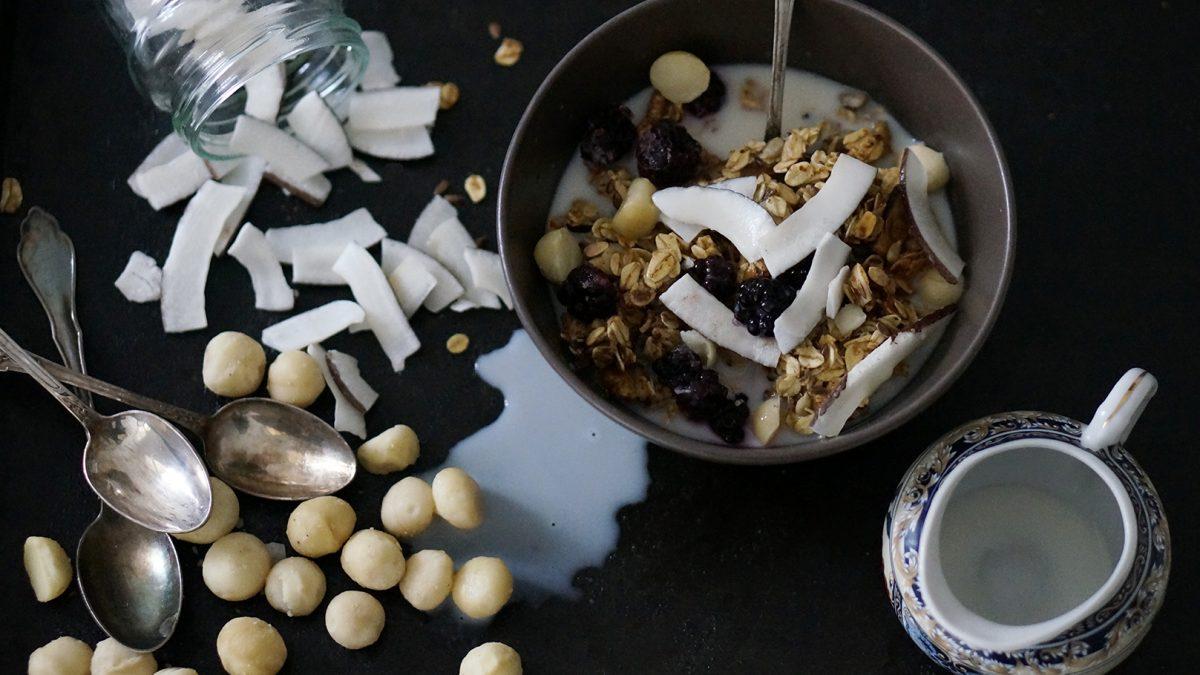 Macadamia-Banane-Granola