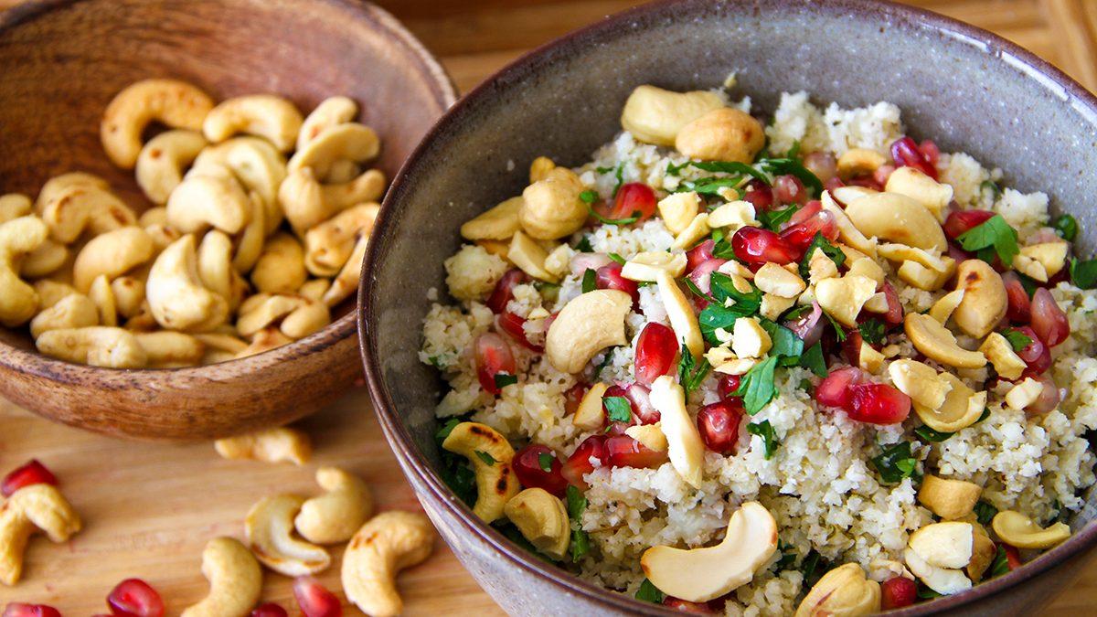 Karfiol-Couscous mit Cashew-Nüssen, Za'atar und Zitrone