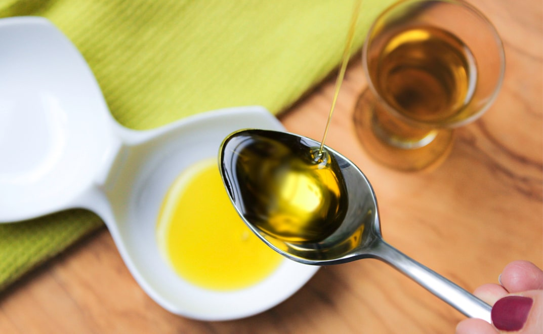 Ölziehen und Entschlacken mit Olivenöl