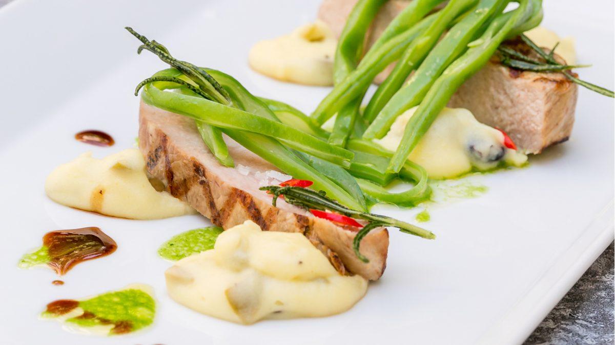 Kalbsrücken-Steak mit Kartoffel-Oliven-Püree